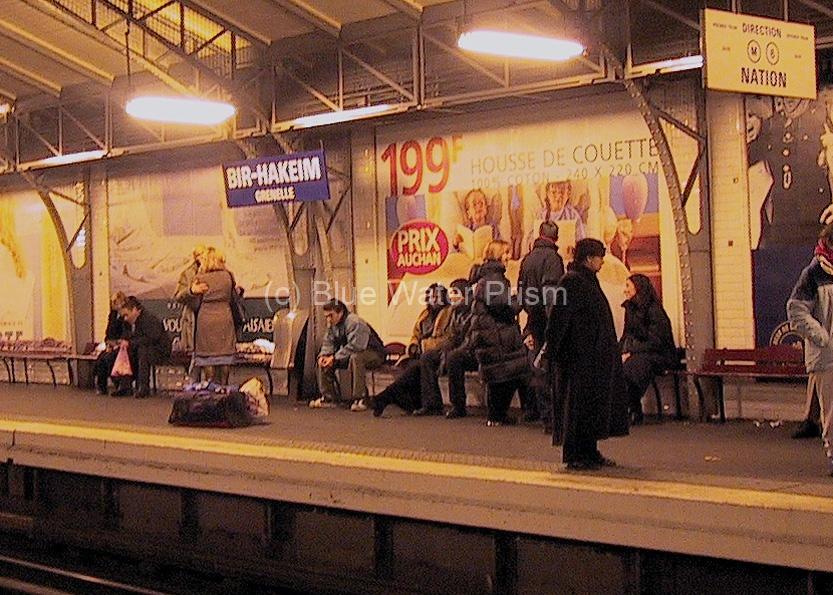 paris metro stop2