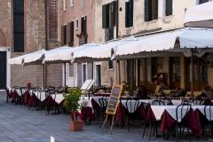 Street cafe1